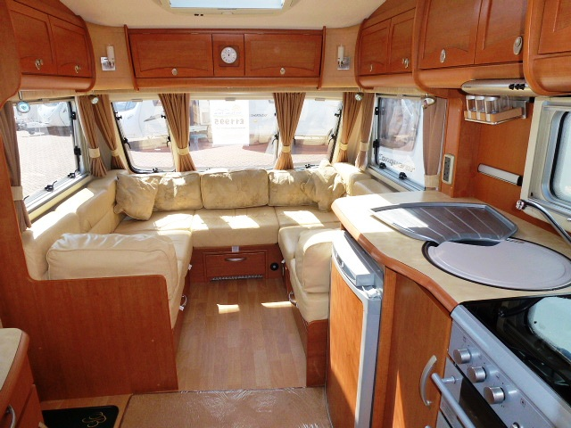 2007 Bessacarr Cameo 645gl Leather Upholstery